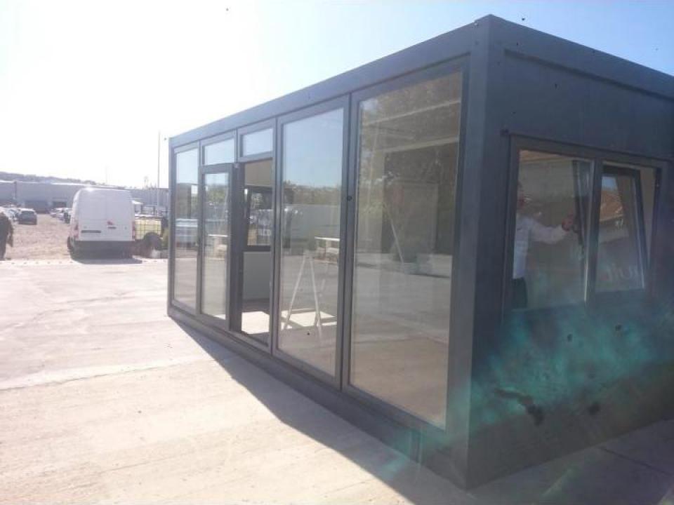 Container magazin la comanda, personalizabil